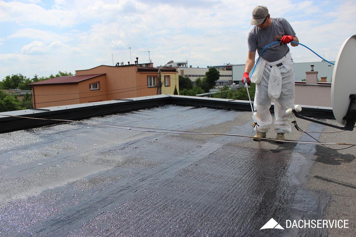 Naprawa dachu z papy gumą w płynie CWS R