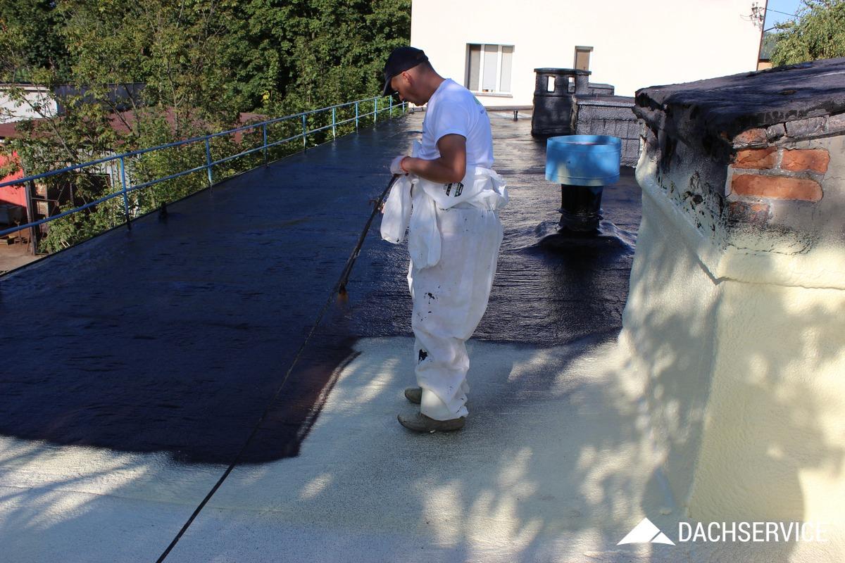 Hydroizolacja dachu płynną gumą