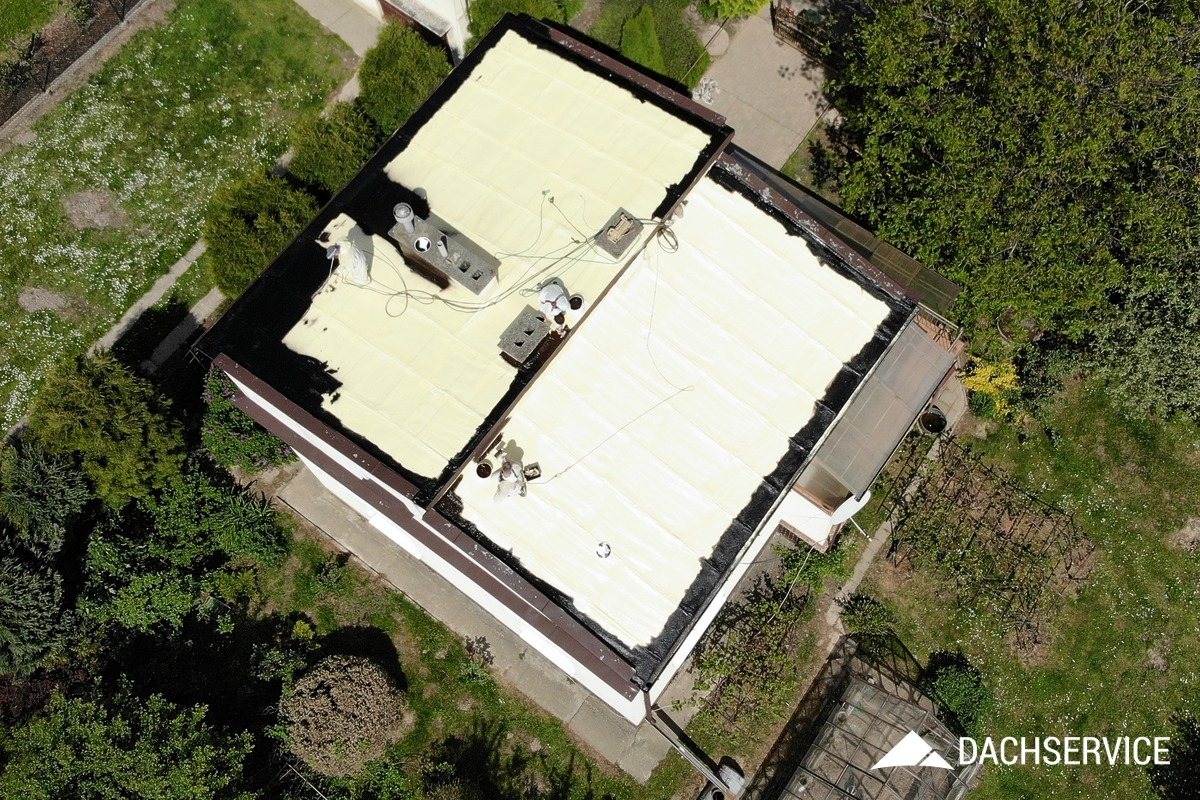 Naprawa dachu z blachy