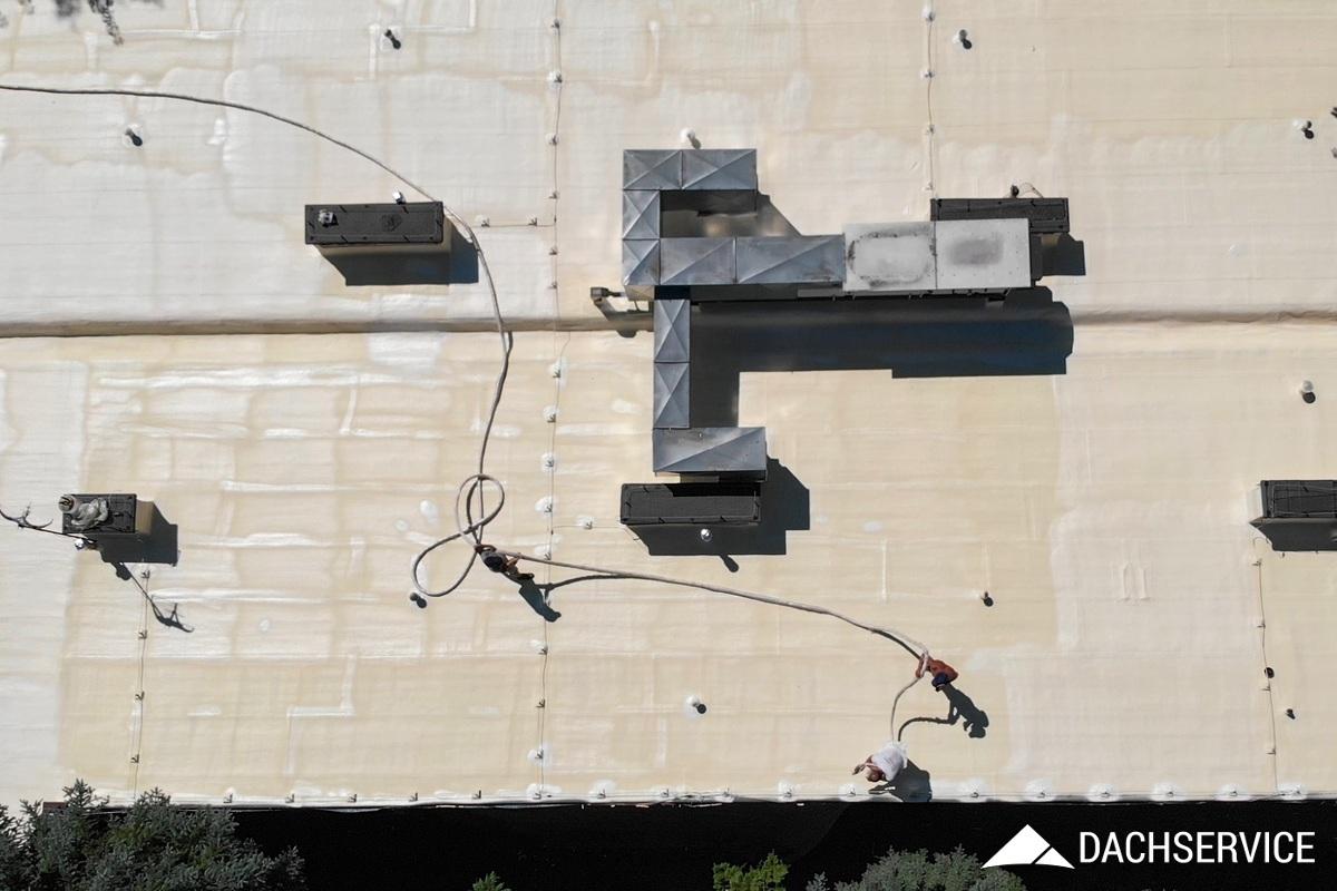 Hydroizolacja Dachu - Budynek Medyczny