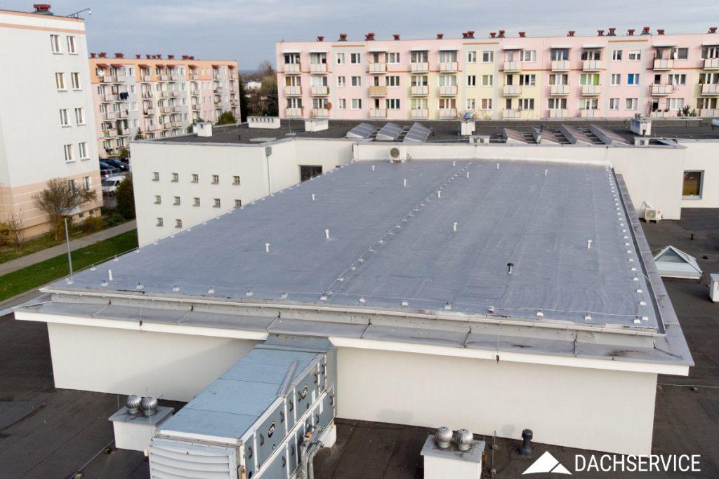 Renowacja dachu z papy - Dom Kultury