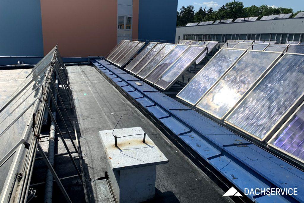 Renowacja dachu z papy z fotowoltaiką
