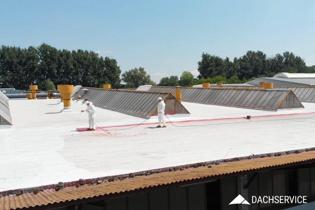 Izolacja dachu płaskiego płynną membraną poliuretanową